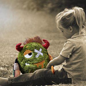 Dlaczego-dziecku-nie-powinniśmy-dawać-klapsów-min