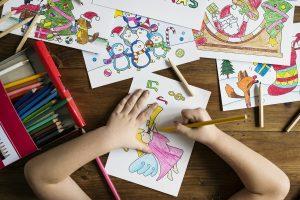Zabawy wielozmysłowe i wielointeligentne, czyli jak uczyć dzieci przez zabawę